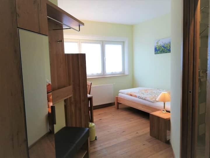Haus Monti (Maria-Lanzendorf), Einzelzimmer 1