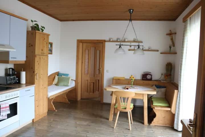 """Urlaub am Bauernhof Familie Haunschmid (Ardagger), Ferienwohnung """"Waldblick""""(60 qm) mit zwei Schlafzimmern"""
