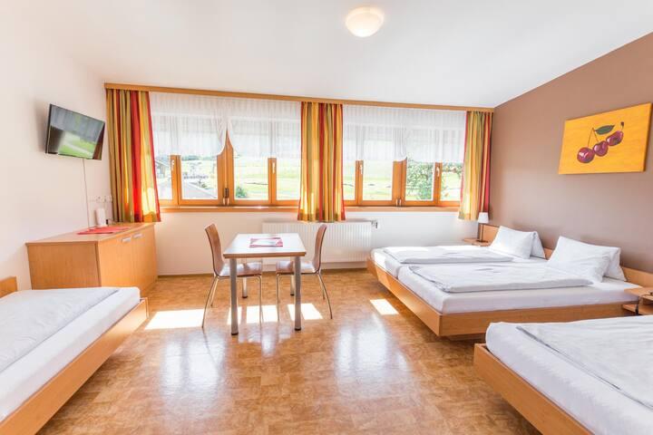 Gasthof Jagersberger (Hollenstein an der Ybbs), Familienzimmer mit 4 Betten