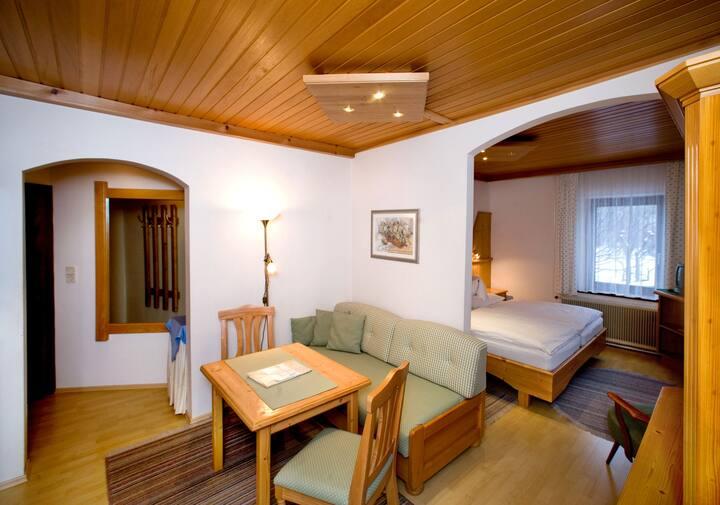 "Pension Landhaus Ingrid (Loich), Doppelzimmer ""Gamsblick"""