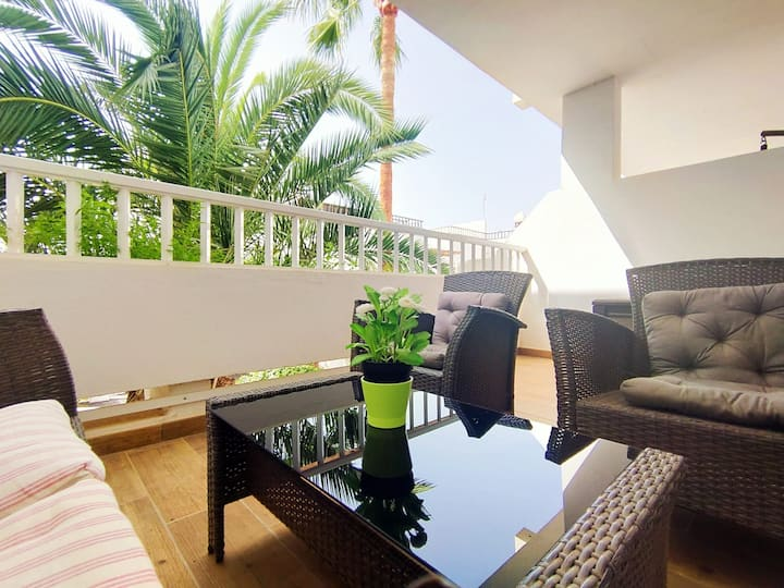 Bonito apartamento cerca de playa Los Charcos