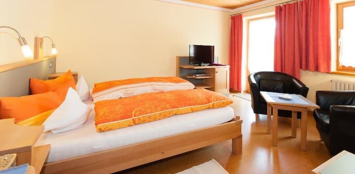 """BIO Hotel - """"Die BIO Sportpension"""" (Bodenmais), BIO Komfortzimmer 'Waldveilchen'"""