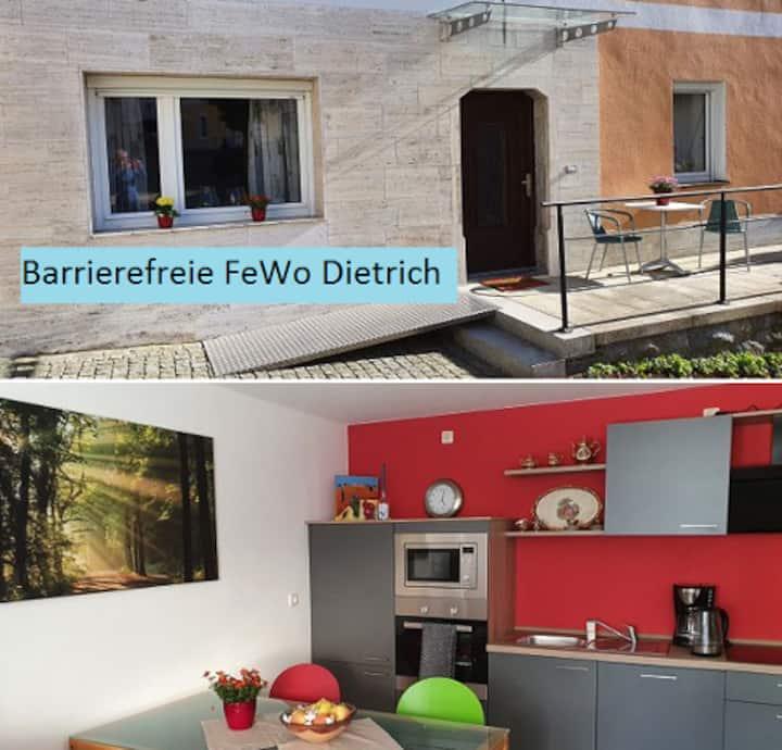 Ferienwohnung Dietrich (Ruhmannsfelden), Barrierefreie Ferienwohnung (65 qm)  mit Terrasse