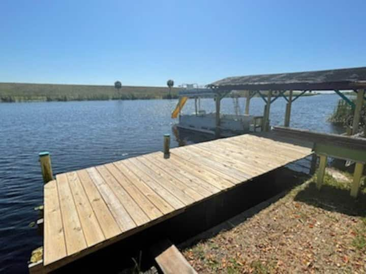 NEW LISTING! Rim Canal Cottage - Access to Fishing, Just off Lake Okeechobee!
