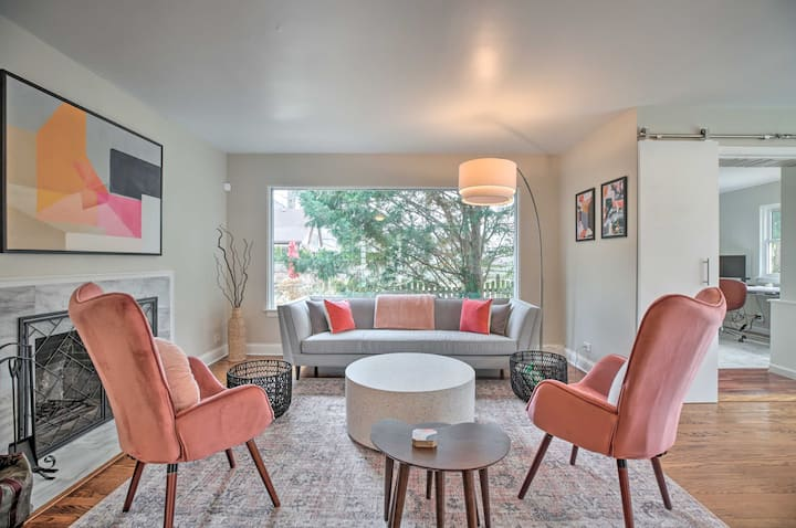 NEW! Home w/ Office + Yard: 25 Mi to Dtwn Chicago!