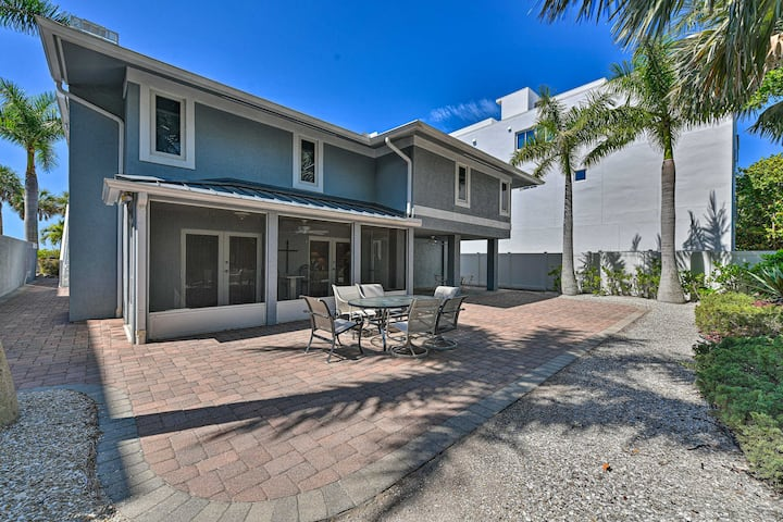 NEW! Lido Key Studio; Patio & Yard + Walk to Beach