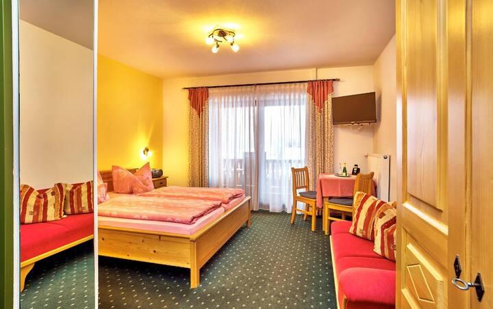 Komfort-& Wellnesspension Rehwinkel (Bodenmais), Komfort-Doppelzimmer (Nr. 10) mit Balkon und Südlage
