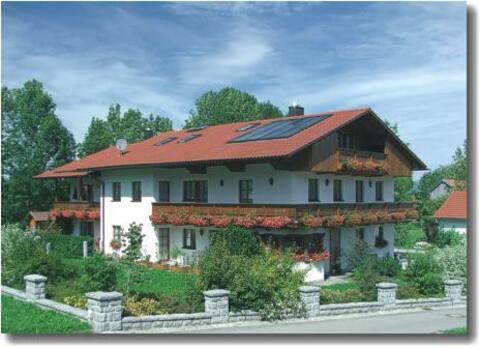 Ferienwohnungen und Ferienhaus Kronner (Zachenberg), Ferienwohnung 1 mit zwei Schlafzimmer