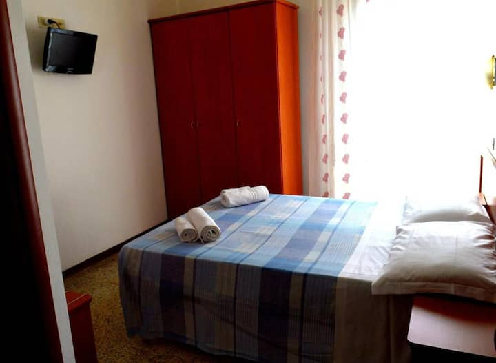 New Hotel Cirene Double room for only one person