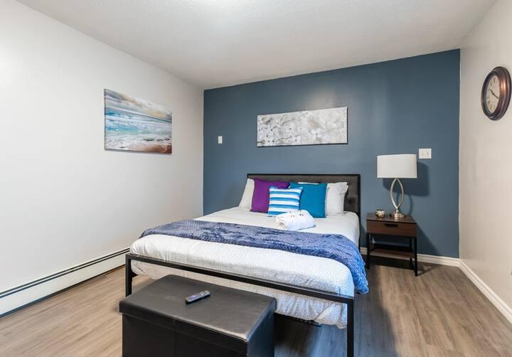 Newly Renovated - Modern Studio Apartment - PRIME Walk Score