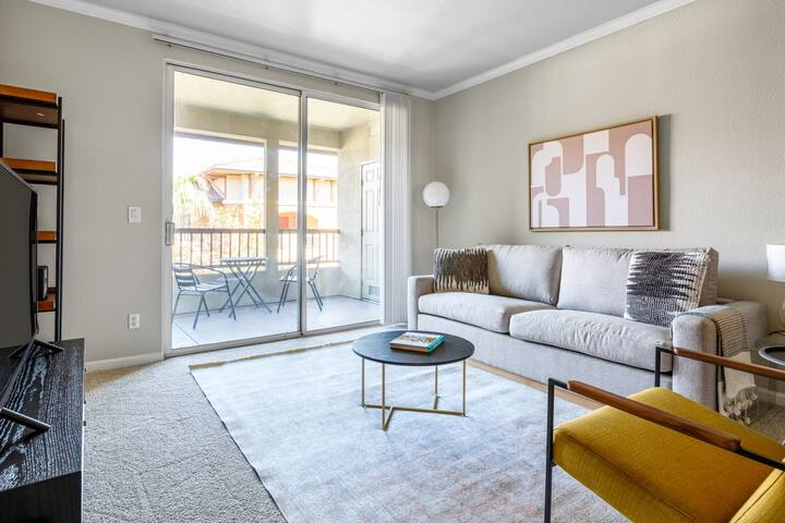 Luxe Santa Clara 1BR w/ W/D, Gym, Parking, walk to Safeway, by Blueground