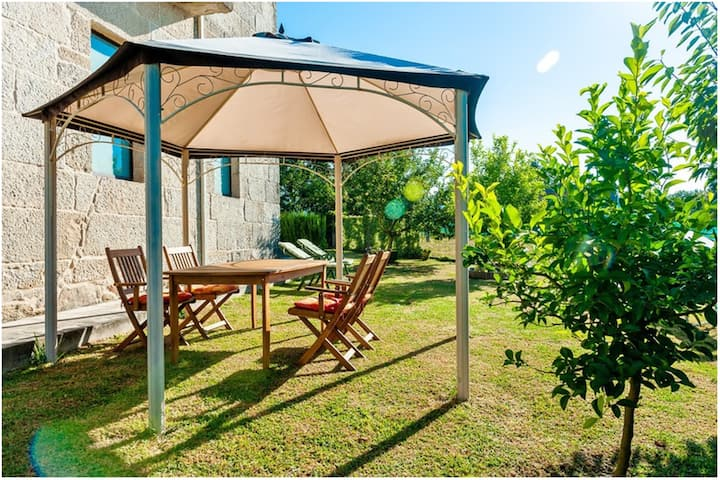 House with 3 bedrooms in Carballedo, with wonderful mountain view, private pool, enclosed garden - 35 km from the beach