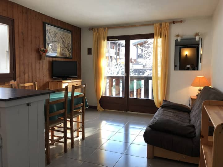 APARTMENT OF 34 M2 FOR 5 PERSONS NEAR PISTES