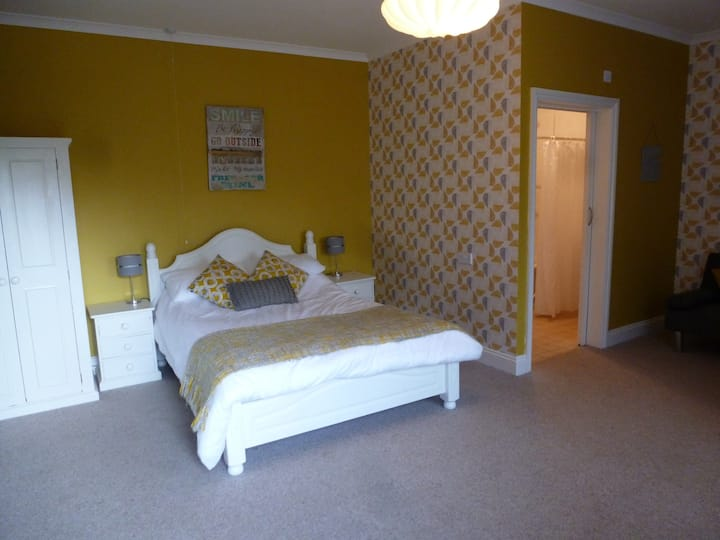 Double Room-Ensuite with Shower - Disabled Access