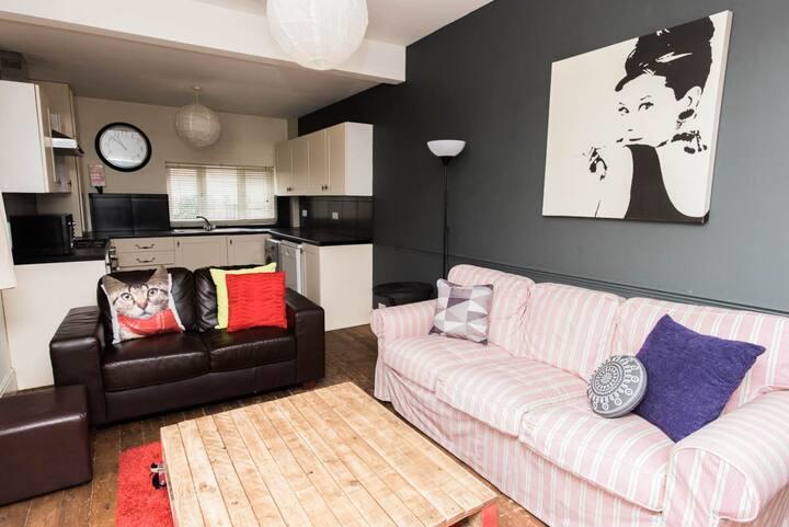 Gorgeous Single room - including bills (v20)