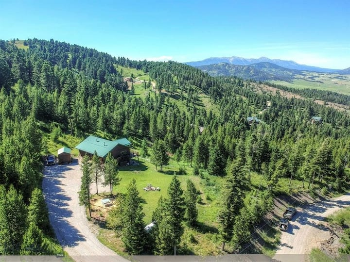 Alpine Oasis - Cabin in the Woods with Bridger Mountain Views