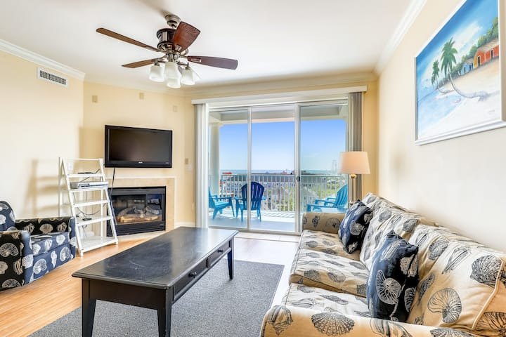 Oceanfront Belmont Towers Condo w/ AC, Private W/D, Shared Pool, Ocean View
