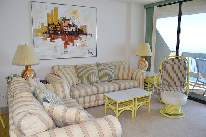 Beach View Condo w/Balcony, Free WiFi, Private Washer/Dryer, and Shared Pool