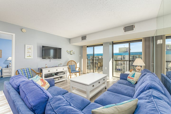 Oceanfront Braemar Towers Condo w/ AC, Private W/D, Shared Pool, Ocean View