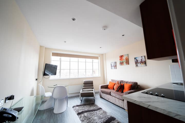 Premium 2 Bedroom Apartment in South Kensington