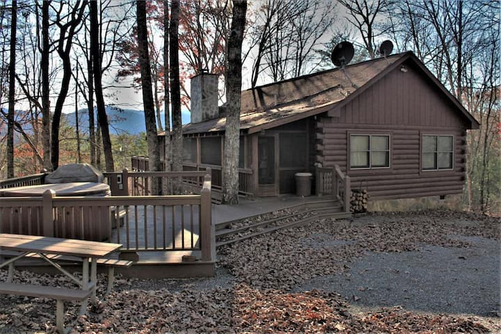 Napa's Mountain -- A Gorgeous Mountain Cabin Located in the Great Smoky Mountains!