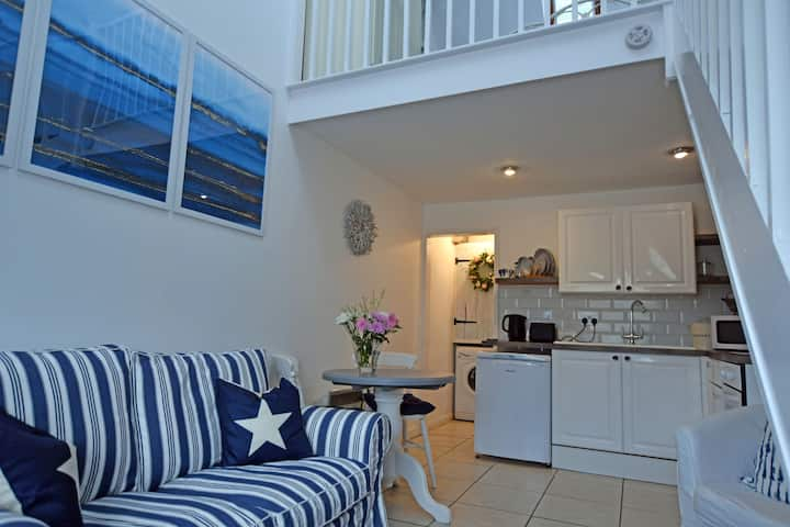 Charming 1-Bed cottage in Pembroke