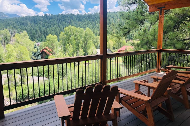 High-End, Luxury, 4-Bedroom Farm House.  Mountain Views and River Getaway.  Close to Wolf Creek.