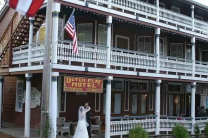 Balcony Room II - The Dutch Flat Hotel