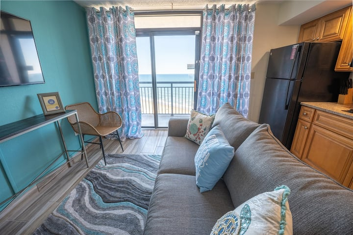 ⭐ NEW! CLEAN & Remodeled Oceanfront, HIGH FLOOR!