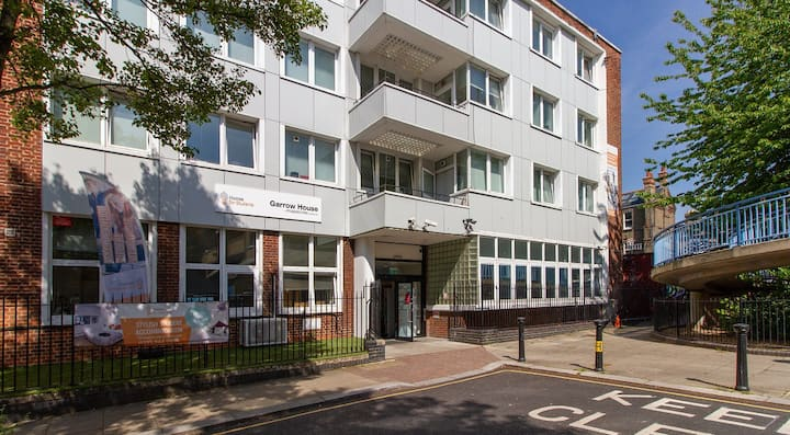Classic Gold 2 Bed Apartment