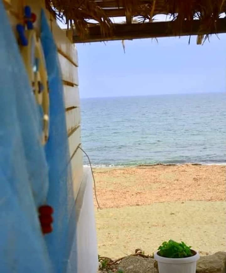Skyros Beachfront Studio-A breath away to the beach