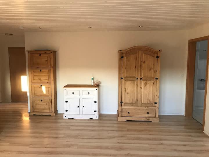 Ferienwohnung Fiore Gästezimmer (Esselbach), Ferienwohnung in ruhiger Lage für 7 Personen