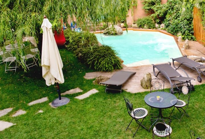 Studio in Piazza, with shared pool, enclosed garden and WiFi - 15 km from the slopes