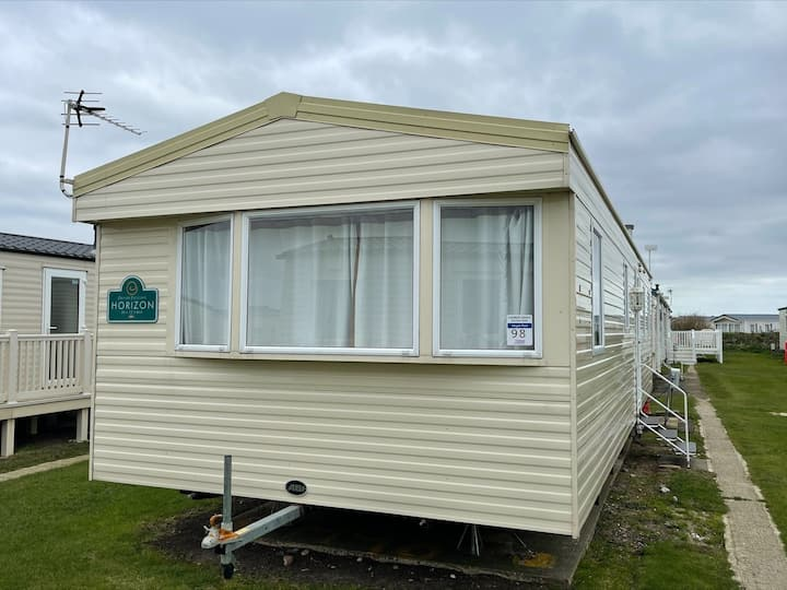 MP98 - Camber Sands Holiday Park - Sleeps 8 / 3 Bedroom - Central - Close to facilities