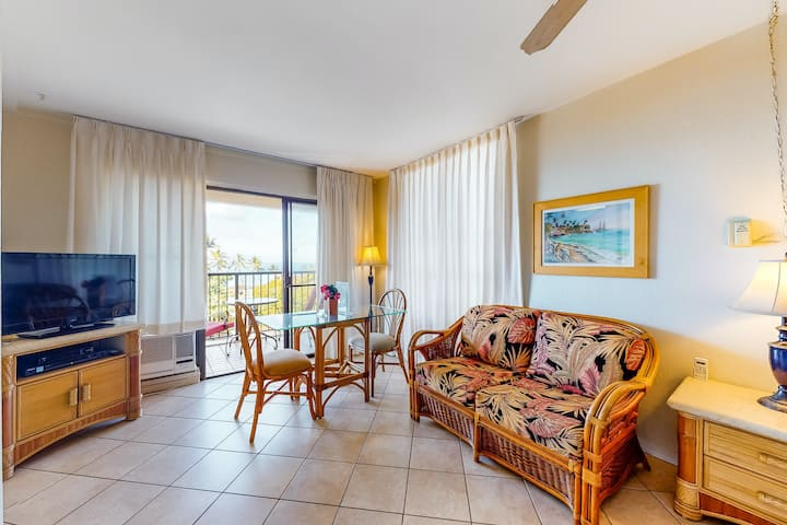 Kihei Akahi Condo w/ Free WiFi, Private W/D-Waves Await!