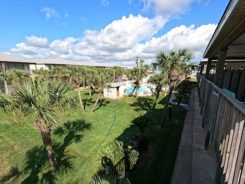 Cast-A-Waves NEW in Port A. Walk to Everything, Shared Pool, Game Room!