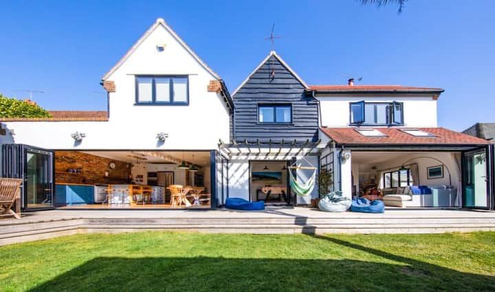 **NEW PROPERTY** Driftwood Haven