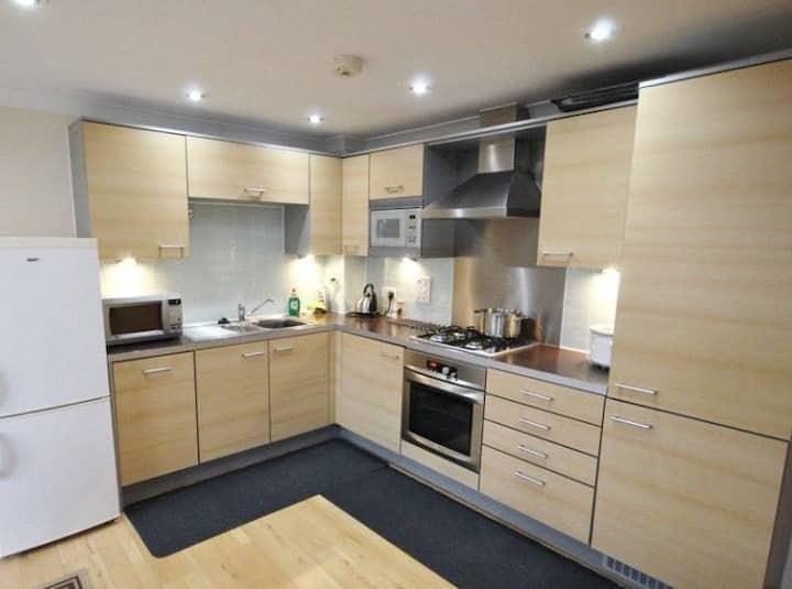 Addlestone - Stylish and modern 2 bedroom apartment