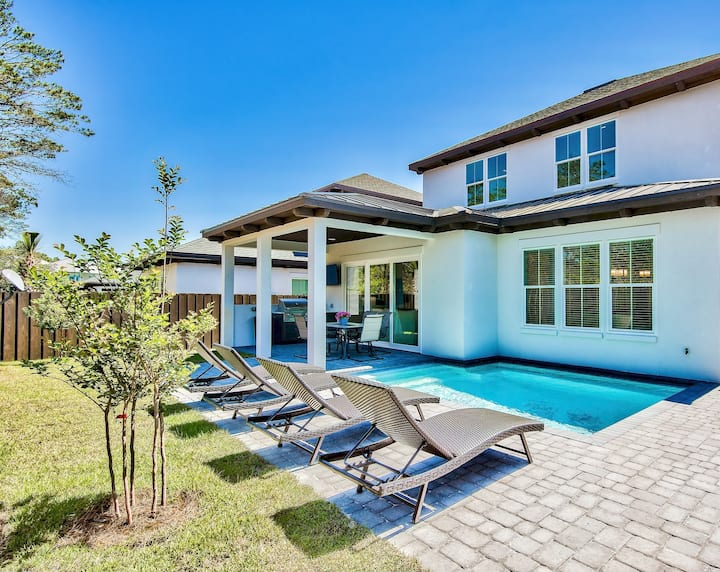 Brand New Home! Walk to The Beach. Private Pool and Outdoor Seating. Wifi!