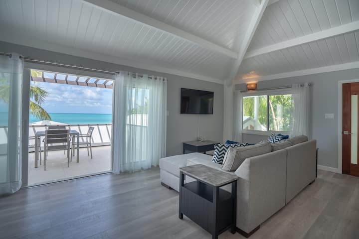 Two-Bedroom Beachfront Apartment at Siboney Beach Club