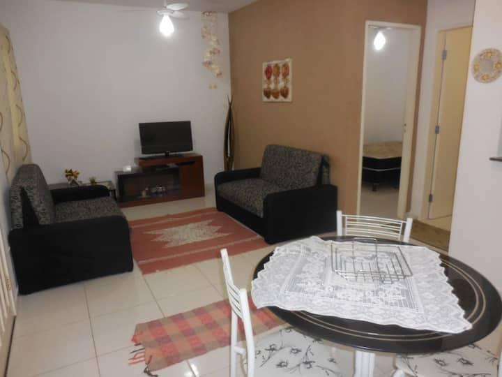 Lindo flat para toda a família, a uma quadra da praia de Massaguaçu.