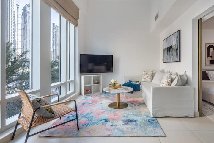 Aesthetically Spacious 1BR with Maid's in Downtown!