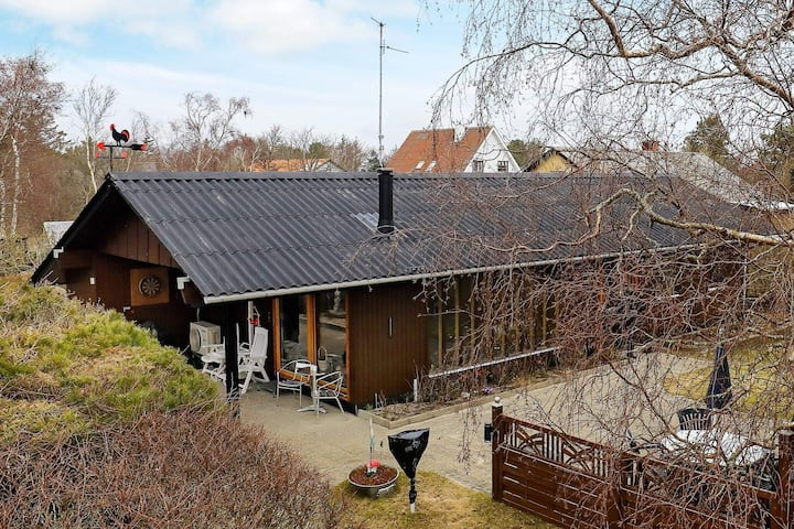 6 person holiday home in Læsø