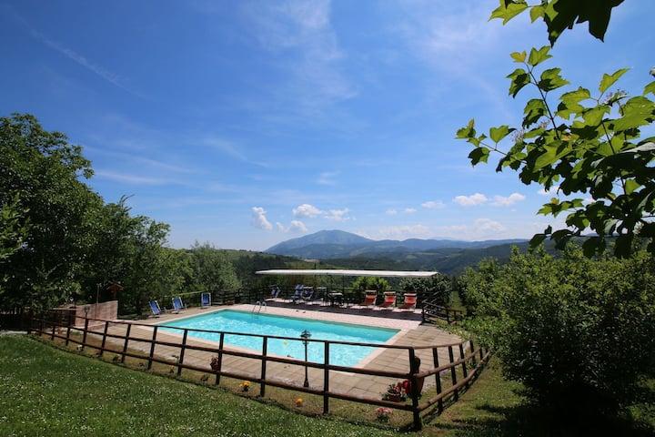 Mountain-view Farmhouse in Apecchio with Private Garden