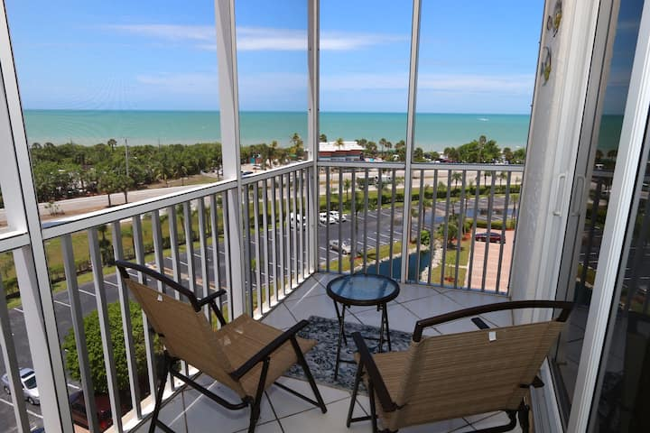 Updated Kitchen and Bath! Sunset Views! Bonita Beach & Tennis 3807