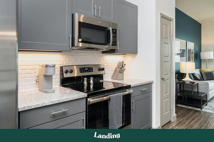 Landing | Modern Apartment with Amazing Amenities (ID8804)