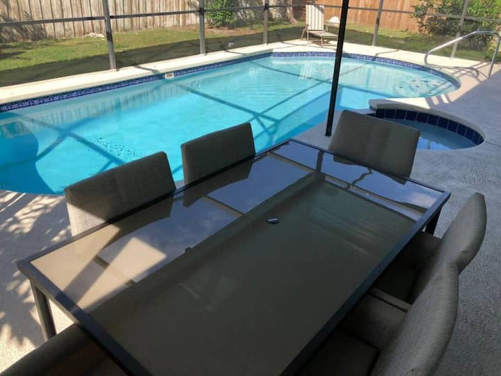 (BU) Newly remodeled. Private pool Best location