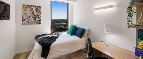 Studio minutes walk from University of Melbourne