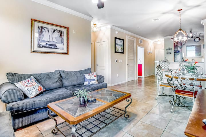 Dog-Friendly Condo with High-Speed WiFi, Full Kitchen, & Private Washer/Dryer