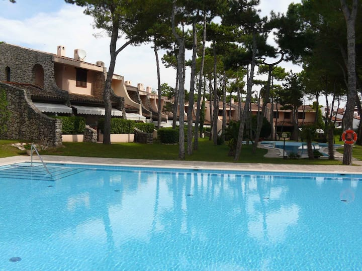 Villa for 6 persons in Lignano R102474